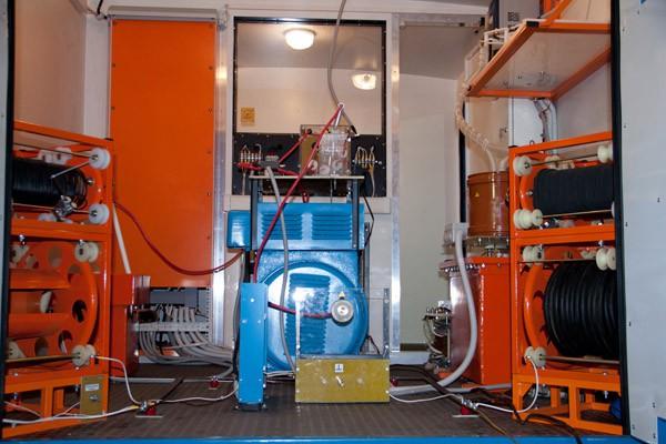 """Отгрузка кабельной электротехнической лаборатории высоковольтных испытаний (ЭТЛ, ЛВИ) ППУ-1 / ППУ-2 для ОАО """"Омскэлектро"""""""