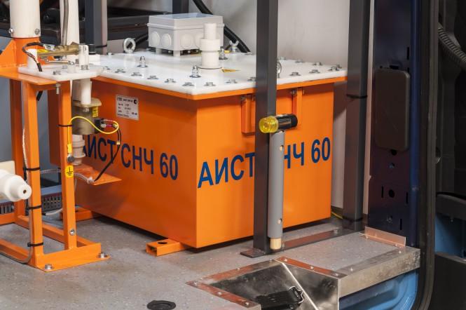 """Высоковольтная установка для испытания кабелей из сшитого полиэтилена (СПЭ) АИСТ СНЧ 60 в электротехнической лаборатории высоковольтных испытаний """"СУРА"""""""